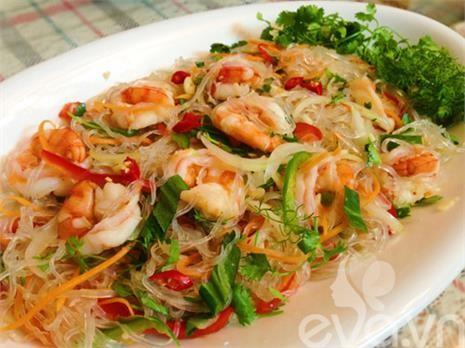 Salad miến tôm kiểu Thái